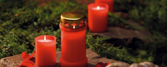 Decorare candele per ognissanti